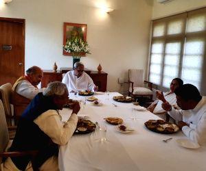 Amit Shah, Mamata, Nitish at lunch hosted by Odisha CM Patnaik