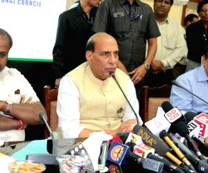 Rajnath reviews inter-state issues at council meet