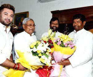 Ramvilas Paswan greets Nitish Kumar