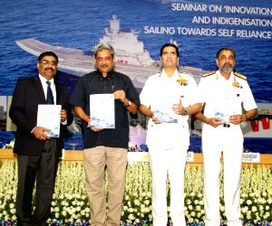 """Manohar Parrikar at a seminar on the """"Innovation and Indigenisation - Sailing towards Self Reliance"""""""