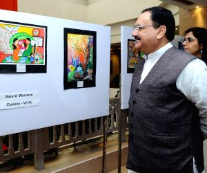 Nadda at exhibition organised on World Population Day 2016