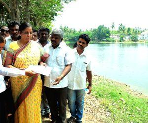 Nirmala Sitharaman inspectes Kalena Agrahara Lake
