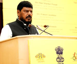 Extend lockdown up to May 30: Athawale