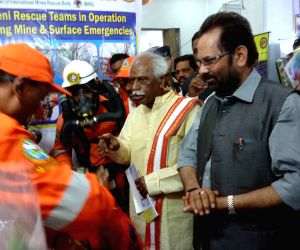 Naqvi, Dattatreya visit Mine Rescue Services exhibition