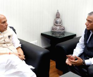 V.K. Singh meets Rajnath Singh