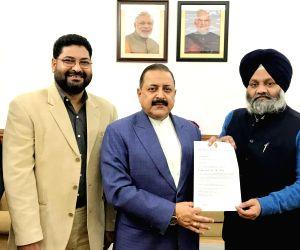 Jitendra Singh receives a memorandum