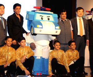 Hyundai's 'Safe Move - Traffic Safety Campaign' - Nitin Gadkari, Shah Rukh Khan