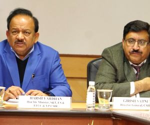 meeting on non-polluting firecrackers - Harsh Vardhan