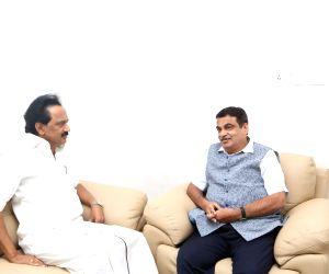 Nitin Gadkari visits Kauvery Hospital