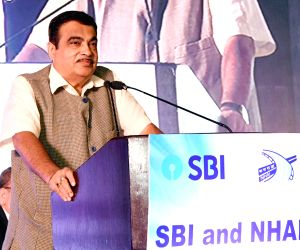 Union Transport Minister Nitin Gadkari addresses at the signing ceremony of an MoU between National Highways Authority of India (NHAI) and State Bank of India (SBI) for long term, ...