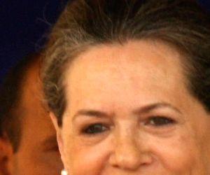 Modi says Congress looted India, asks Chhattisgarh to vote for BJP
