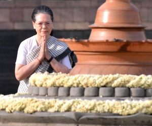 UPA chairperson Sonia Gandhi pays homage to husband and former Prime Minister Rajiv Gandhi on his 27th death anniversary at Vir Bhumi in New Delhi on May 21, 2018.