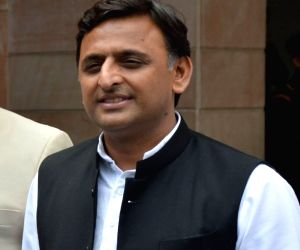 Tie-up with Congress in MP possible: Akhilesh