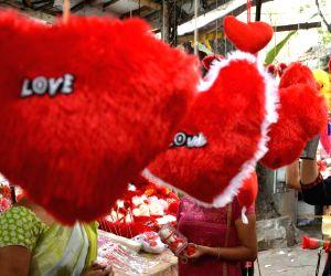 V-Day plans: Tinder, Netflix and Durex chat on Twitter