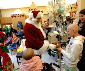 CANADA VANCOUVER SANTA CLAUS CHILDREN'S HOSPITAL