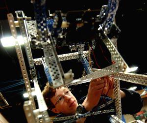 CANADA-VANCOUVER-2015 VEX ROBOTICS COMPETITION