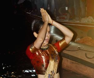 Kangana Ranaut takes holy dip in Ganga