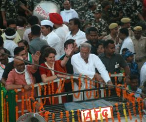 Priyanka holds road show in Varanasi