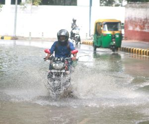 Delhi gets rainfall in patches on Monday, similar condition this week