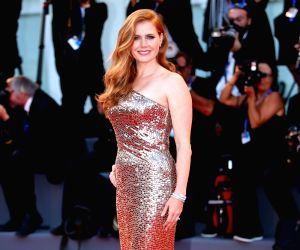 Amy Adams finds husband's parenting skills 'sexy'