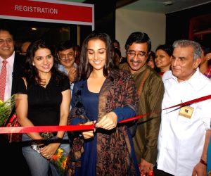 """Vidya Balan inagurates """"Rotary Club North End bazaar"""". Photo: IANS)"""
