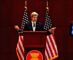 LAOS VIENTIANE JOHN KERRY PRESS CONFERENCE