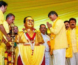 Modi survives on publicity: Chandrababu Naidu