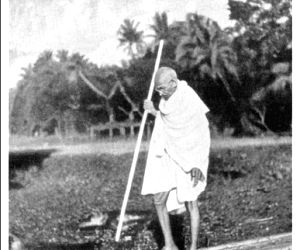 When Gandhi turned 'half-naked fakir' in TN