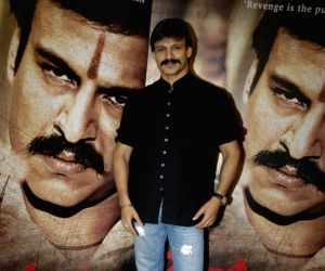Vivek Oberoi promotes Raktcharitra.