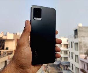 Vivo V20 Pro 5G: Splendid design, impressive dual-selfie camera