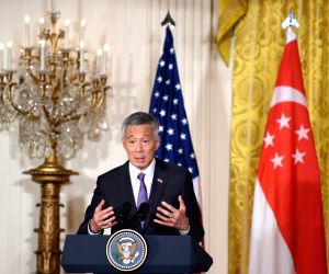 U.S. WASHINGTON D.C. OBAMA SINGAPORE PM PRESS CONFERENCE