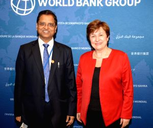 Washington DC: Department of Economic Affairs Secretary S.C. Garg meets World Bank CEO Kristalina Georgieva on the sidelines of the ongoing G-20 Finance Ministers' Meeting and 2018 Spring Meetings of ...