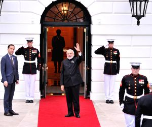 Washington DC: Modi arrives at White House for dinner of 4th Nuclear Summit