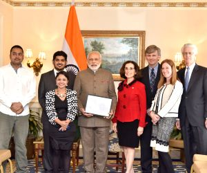 Washington DC: PM Modi interacts with Indian scientists at LIGO project