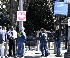 WASHINGTON, March 3, 2018 - U.S. FBI and Secret Service agents work on the west side of the White House after a man shot himself in front of the White House, Washington D.C., the United States, on ...