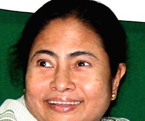 Mamata wishes Rajinikanth on turning 67