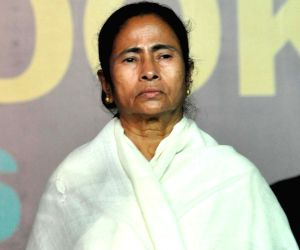 Mamata to have 'courtesy meeting' with Hasina