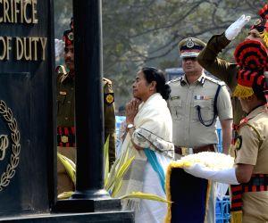 Mamata Banerjee pays tributes at Police Memorial