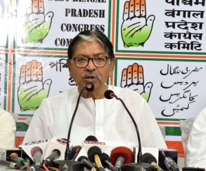 West Bengal Congress president Somen Mitra addresses a press conference in Kolkata on March 24, 2019.