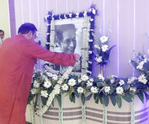 : Howrah: Aroop Biswas pays tribute to Satyajit Ray