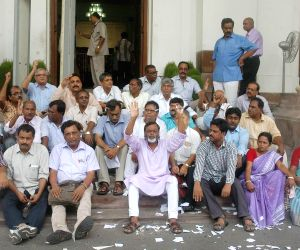 Surya Kanta Misra and other left MLA's boycott the session