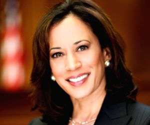 Kamala Harris to decide on 2020 US presidential bid over holidays