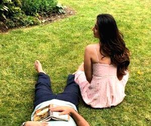 Free Photo: Kareena Kapoor, Saif Ali Khan 'fall asleep' as lockdown continues