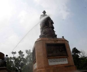 Cleaning work underway on the eve of Gandhi Jayanti