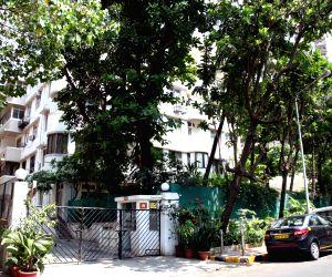 CBI raids Mukerjeas' Mumbai home