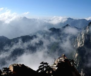 CHINA XI'AN HUASHAN MOUNTAIN SCENERY