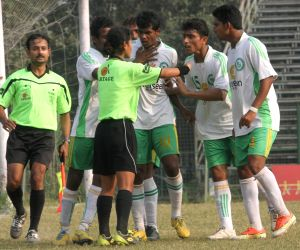 India's women referees take on tough challenges