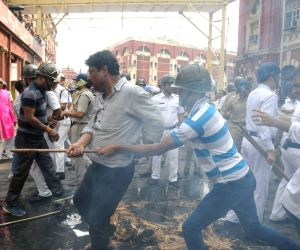 Youth Congress demonstration against Kolkata Mayor