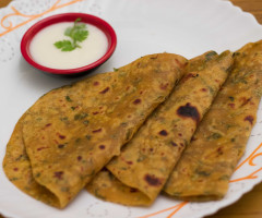 Methi Paratha ( Fenugreek Stuffed Paratha )