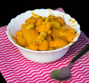 Aloo Gobi Masala | Restaurant Style Potato Cauliflower Masala Curry